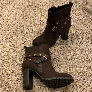 Apt. 9 Dark brown booties